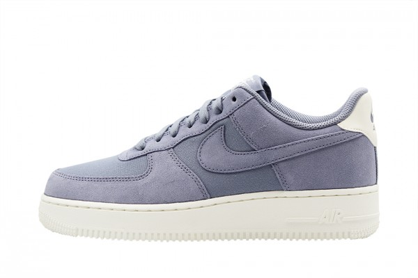 san francisco 06d67 ebbc6 Nike Air Force 1 07 Suede