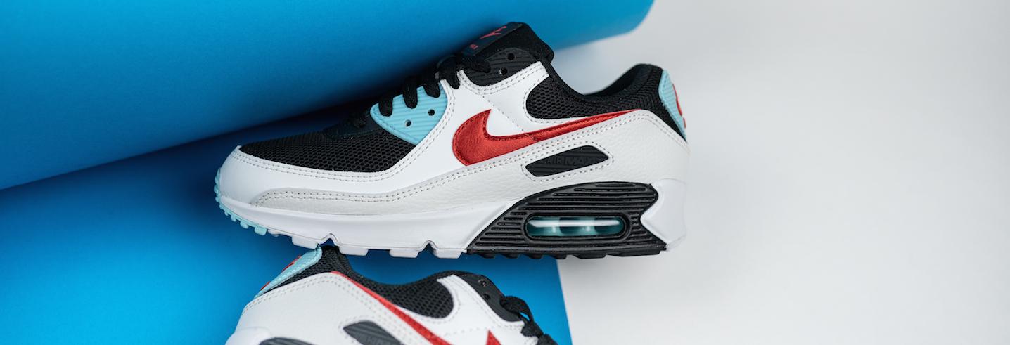 Nike-Air-Max-90-Wmns-Starseite-Sneaker-Banner