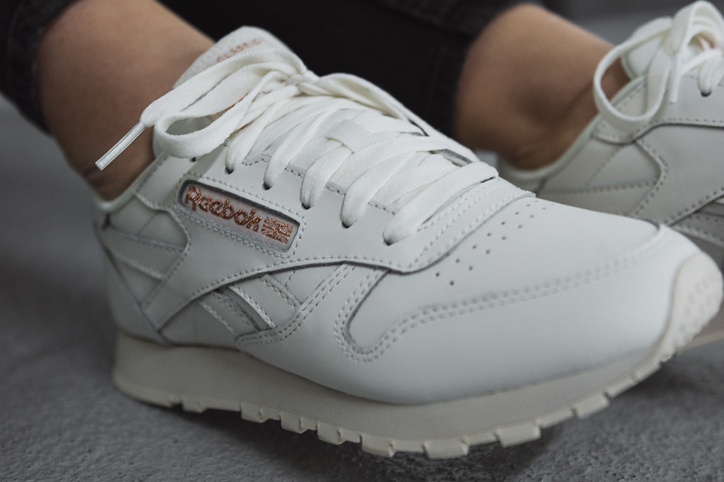 cfb527e0c7b ... Preview  Reebok Wmns Classic Leather ...