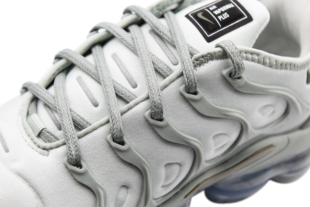 f146d09951a ... Preview  Nike Air Vapormax Plus Wmns ...